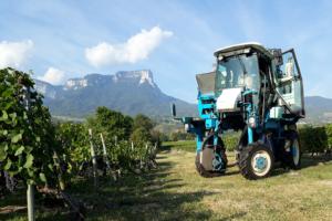 Machine agricole pour la vigne